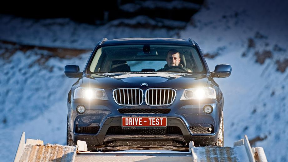 Bmw x3,Bmw 5. На сей раз BMW X3, к сожалению, не вылезал из гигантской песочницы, так что полноценный тест-драйв ещё впереди.