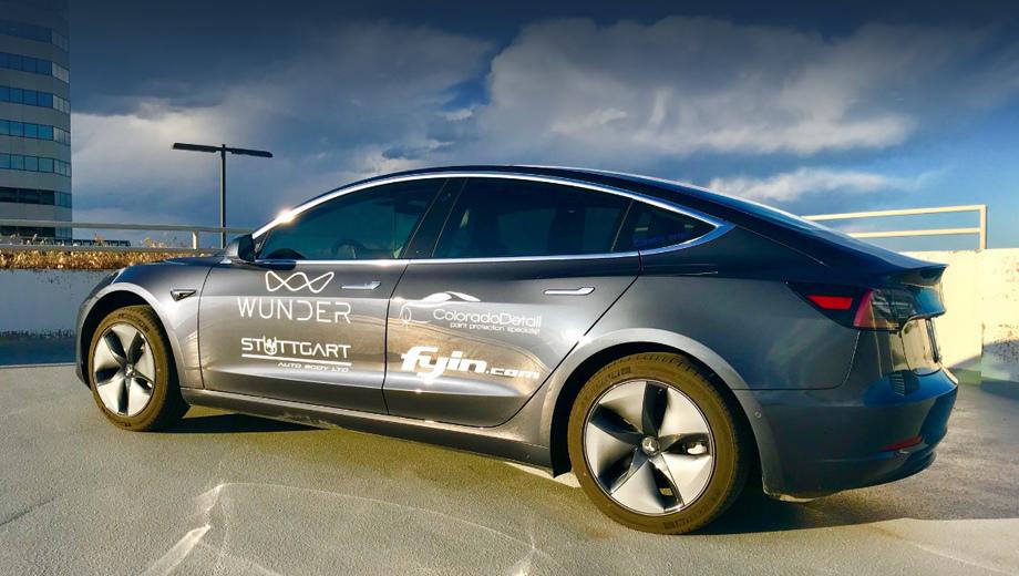 Tesla model 3. Заезд стартовал 25 мая, а закончился 27 числа. Напомним, что паспортный пробег на зарядке в смешанном цикле у «тройки» Long Range равен 499 км.