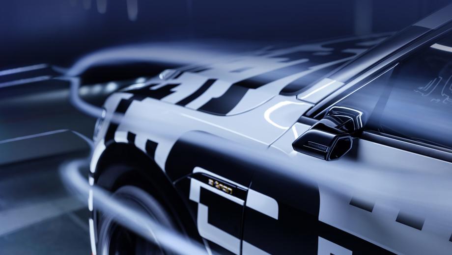 Audi e-tron. Виртуальные зеркала заднего вида сокращают габаритную ширину модели на 15 см, снижают аэродинамическое сопротивление и шумы.
