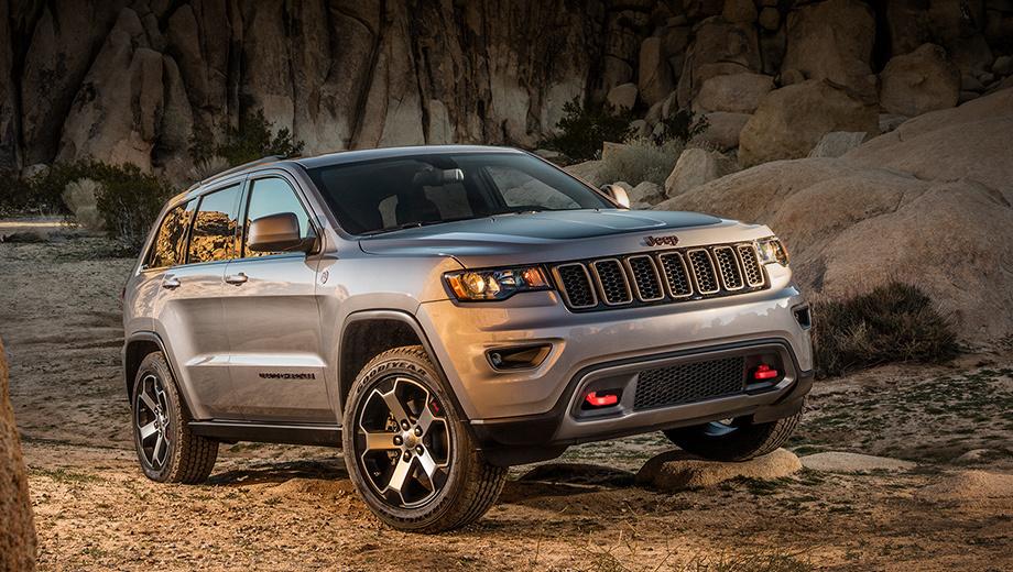 Jeep grand cherokee. Grand Cherokee ― самый продаваемый Jeep. В 2017 году в Штатах купили 240 696 машин. Второе и третье место среди Джипов занимают Wrangler (190 522 штуки) и Cherokee (169 882). Кстати, в Европе у Grand Cherokee дела идут заметно хуже: 10 167 экземпляров за 2017-й.