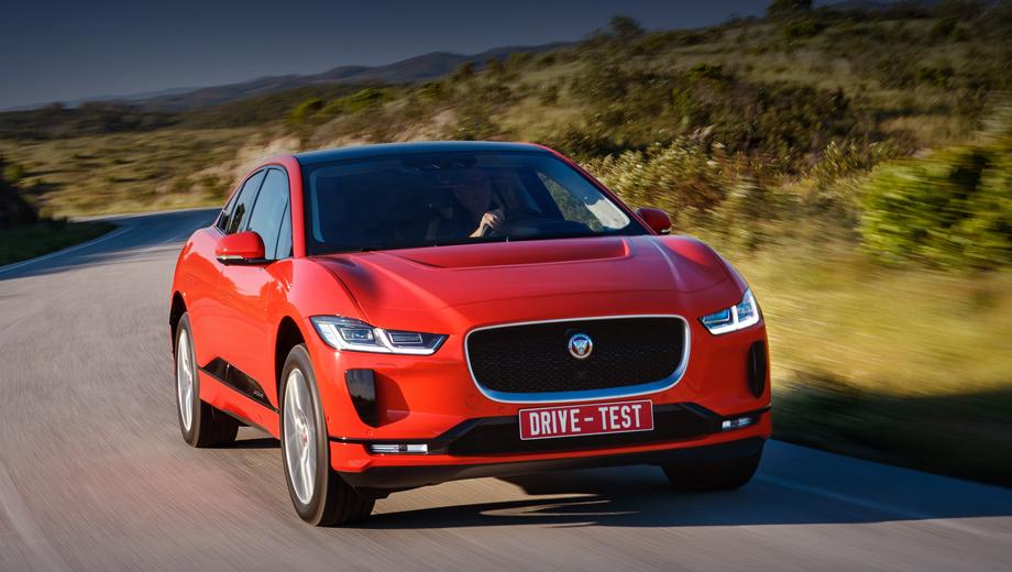 Jaguar i-pace. В Германии базовый Jaguar I-Pace с 18-дюймовыми шинами стоит 77 850 евро, примерно как базовый Cayenne (от пяти миллионов рублей у нас). В России Ягуары будут богаче: например, колёса — минимум 20-дюймовые. Продажи стартуют в конце года.