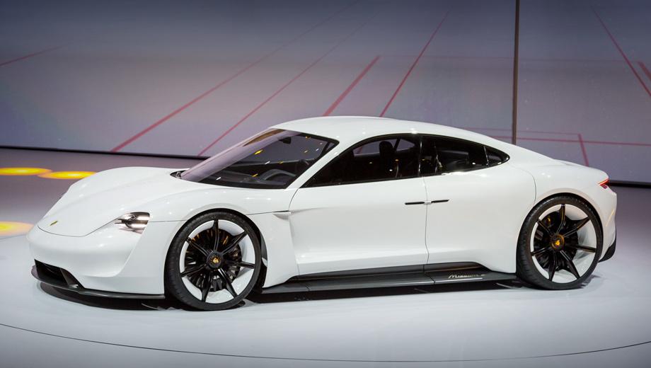 Porsche mission e,Porsche taycan. Премьера концепта (на фото) прошла во Франкфурте в сентябре 2015 года. Все ключевые характеристики были заявлены уже тогда, и теперь железно подтверждаются.