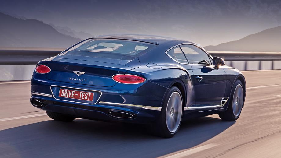 Bentley continental gt. Цены начинаются от 14 290 000 рублей. Полноприводное купе Mercedes-AMG S 63 (612 л.с.) дешевле: от 12 370 000. А 630-сильный S 65 с двигателем V12 стоит почти 18 млн и не бывает полноприводным, как и Rolls-Royce Wraith (632 л.с.) за 24,5 млн, построенный на платформе «семёрки» BMW.