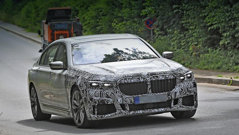 Bmw 7,Bmw 3. После модернизации BMW седьмой серии сохранит прежнее богатство выбора. Сейчас клиентам предлагают наддувные бензиновые (258–610 л.с.), турбодизельные (265–400 л.с.) и гибридные модификации (326 л.с.). Во всех исполнениях ― восьмиступенчатый «автомат» ZF.