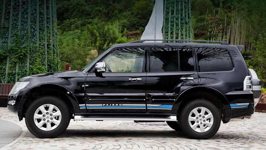 Mitsubishi pajero. Достоверных данных о продажах Pajero в КНР нет, но очевидно, что вездеход считается там штучным товаром и для марки погоды не делает. В 2017 году Mitsu реализовала в Китае более 120 000 машин (+56%), большой вклад внёс локализованный Outlander.