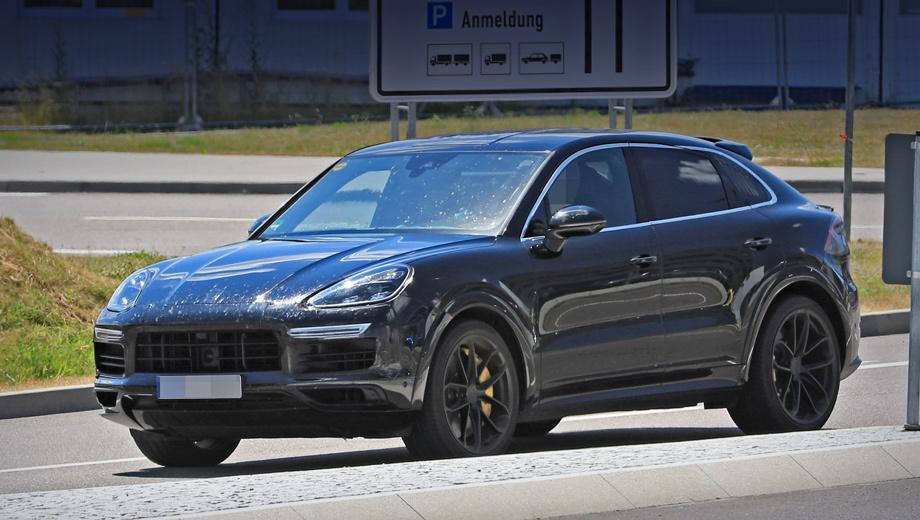 Porsche cayenne. У купеобразной модели Porsche Cayenne не только передняя часть кузова будет совпадать с донорской, но и задняя светодиодная оптика, и задний же бампер. А в пятую дверь инженеры интегрируют раздвигающееся с помощью электропривода антикрыло.