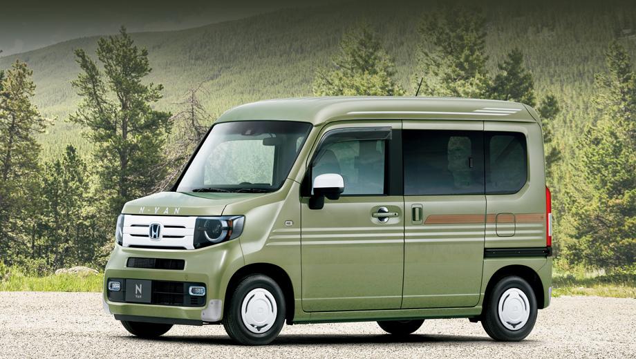Honda n-van. Миниатюрный вэн поступил в продажу в Японии 13 июля. Помимо обычных частников, как рассчитывает компания, новичок должен заинтересовать коммерческий сектор.