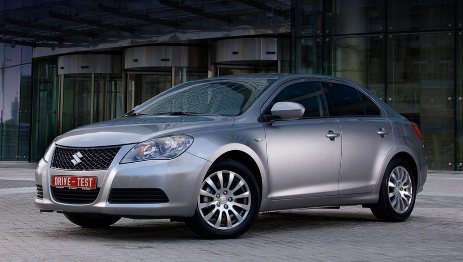 Suzuki kizashi. Выпуск Kizashi открыл маленькой японской компании окно в неведомый мир больших машин. Может, поэтому в сверкающих гордостью глазах её представителей мелькает неуверенность: не побьют ли?