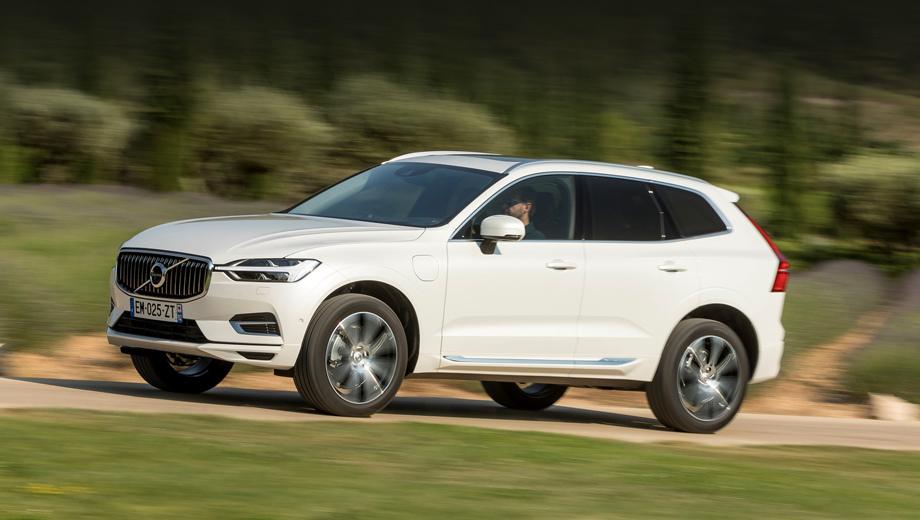 Volvo xc60. Кроссовер XC60, оснащаемый сейчас бензиновыми и дизельными агрегатами, а также способный быть гибридом, окажется одним из первых электромобилей бренда. На каком именно месте — вопрос.