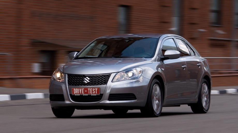 Suzuki kizashi. Флагманский седан D-класса предлагался у нас в 2010–2014 годах с передним и полным приводом, бензиновым «атмосферником» 2.4 (178 л.с., 230 Н•м), шестиступенчатой «механикой» и вариатором.