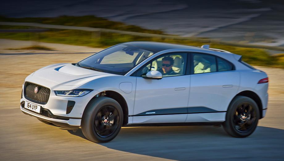 Jaguar i-pace. Среднеразмерный I-Pace разгоняется до сотни за 4,8 с, прямо как Porsche Macan Turbo, у которого тоже 400 сил и цена в 5,8 млн рублей. Правда, у «британца» ниже максималка: 200 км/ч против 266.