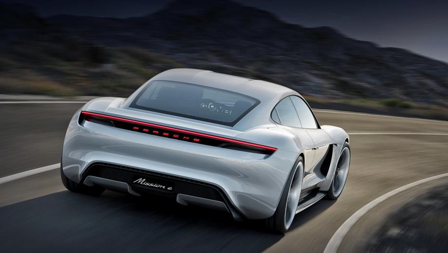 Porsche taycan. Блок литий-ионных аккумуляторов, состоящий из 400 ячеек, позволит проезжать до 500 км на одной зарядке. Благодаря 800-вольтовой системе наполнить батарею энергией на 80% (400 км пути) можно будет за 15 минут. А чтобы запас хода вырос на 100 км, понадобится четыре минуты.