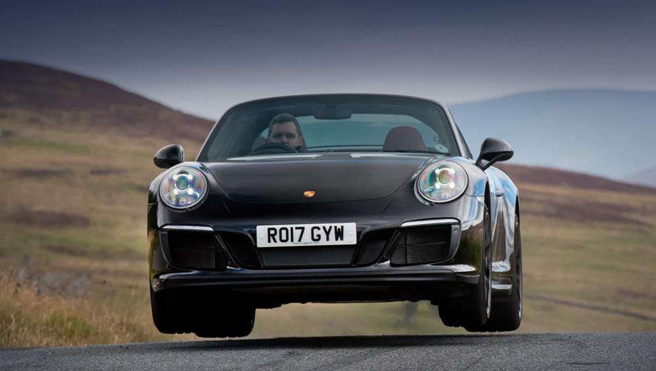 Porsche 911. Porsche 911 текущей генерации находится на конвейере с конца 2011-го, а всего с тех пор продано около 200 тысяч машин по всему миру. Рестайлинговых версий за 2016-й и 2017 год реализовали без малого 65 тысяч. Из них на Европу пришлось 30 603 машины, а на США ― 17 871.