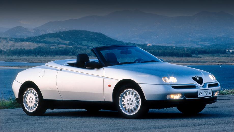 Alfaromeo gtv,Alfaromeo spider. Где появится шильдик GTV, там мелькнёт и Spider. У прошлой Альфы GTV была открытая модификация, которая именовалась просто Alfa Romeo Spider (без букв GTV). На снимке — Spider 1995 года.