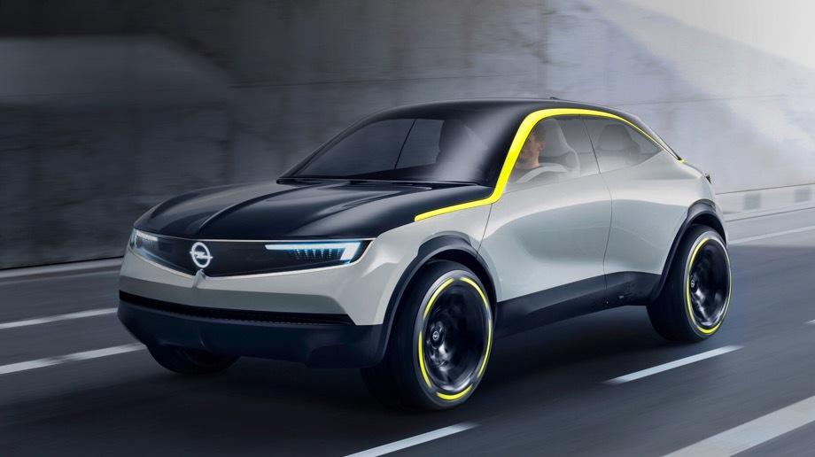 Opel gt x,Opel concept. Длина такая же, как у хэтча Alfa Romeo MiTo, — 4063 мм, ширина — 1830, высота (включая антенну) — 1528, колёсная база как у Subaru XV — 2625 мм. Капот, крыша, 17-дюймовые колёса и даже стёкла окрашены в тёмно-синий цвет. Сам кузов светло-серый. Силуэт очерчен жёлтой «подписью Опеля».