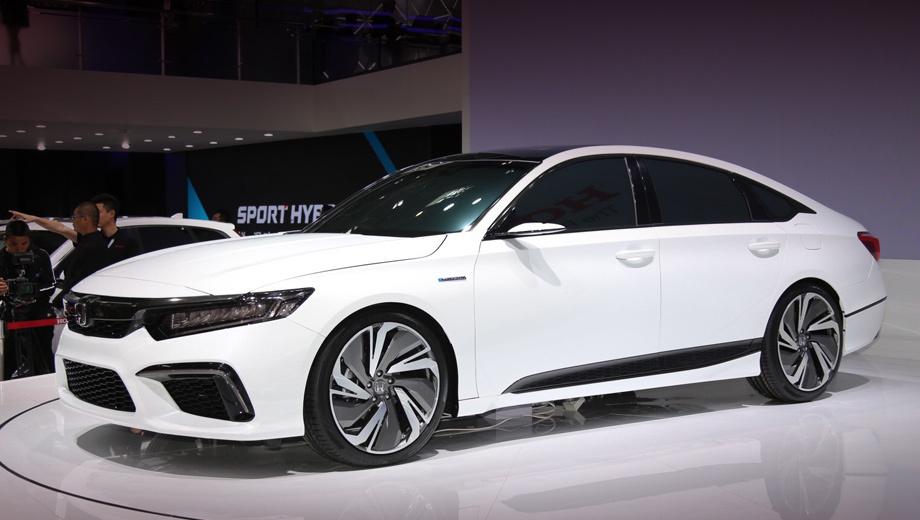 Honda inspire. Прототип, показанный весной в Пекине (на фото), отличился от Аккорда переосмысленными бамперами, порогами, фонарями, крышкой багажника и раздвоенными выхлопными патрубками.
