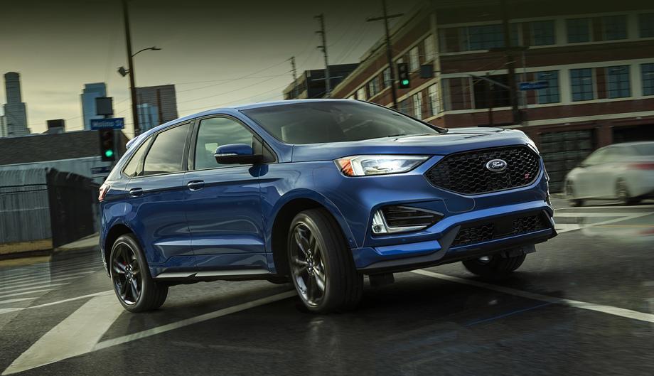 Ford edge. Модель второго поколения на российском рынке не представлена, но шанс на появление у нас есть. Потому понемногу присматриваемся.