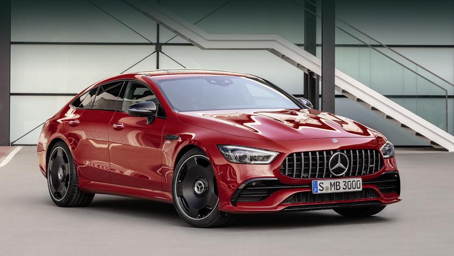 Mercedes amg gt. К автомобилю с разгоном до сотни быстрее пяти секунд термин «начальный уровень» применять странно. Но в случае с большим семейством AMG GT — это как раз он. (На снимках — машина в цвете Jupiter Red и с пакетом AMG Exterior Night Package.)