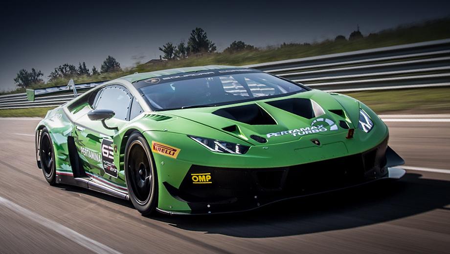 Lamborghini huracan,Lamborghini huracan gt3. Автомобиль разработан в отделении Lamborghini Squadra Corse с учётом трёхлетнего опыта гонок на прошлом GT3. В проекте принимала участие известная фирма Dallara, которая помогала шлифовать аэродинамику.
