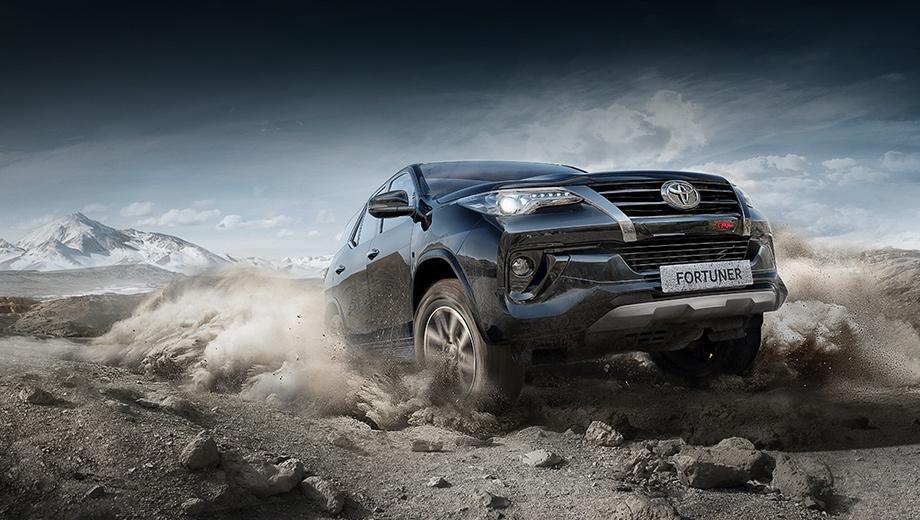 Toyota fortuner. Продажи Форчунера в России начались год назад. За шесть месяцев 2018-го было продано 3111 штук. Из них бензиновой оказалась 651 машина, поскольку дизель появился раньше и сильнее востребован.