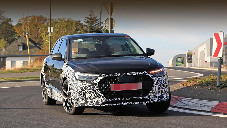 Audi a1,Audi a1 allroad. Самый маленький allroad щеголяет изменёнными решёткой радиатора и бампером, расширителями колёсных арок и увеличенным дорожным просветом.