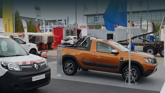 Dacia duster. В конце сентября румыны привезли первый прототип на шоу комтранса в Ганновере. Надо полагать, одним опытным образом дело не ограничится.