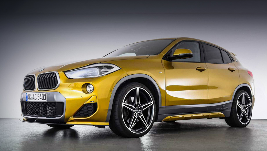 Bmw x2. Узнать шнитцеровский BMW X2 проще всего по «треугольным» вставкам в воздухозаборниках. Другие нововведения менее заметны, поэтому тюнеры оставили «автограф» на боковых молдингах.