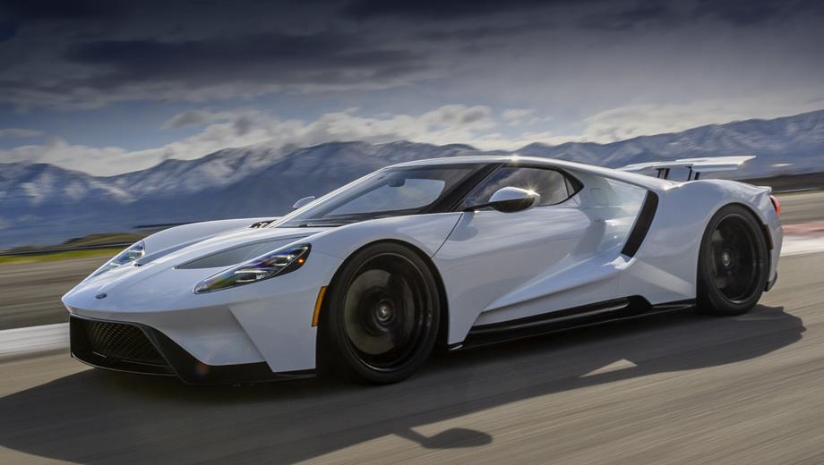 Ford gt. Чтобы стать владельцем Форда GT (655 л.с., 750 Н•м), недостаточно иметь в кармане $500 000 с лишним. Нужно попасть в число клиентов, избранных самой компанией. От неисправностей ни большие деньги, ни эксклюзивность не страхуют.