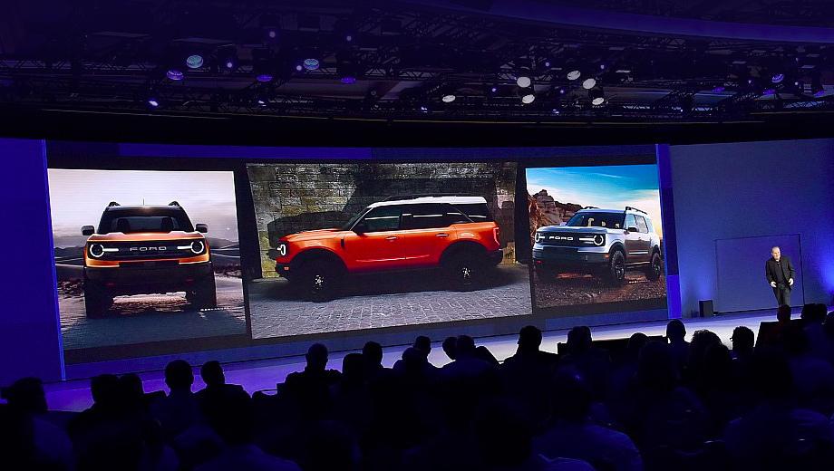 Ford bronco. Не вполне чёткие кадры поступили от участника конференции дилеров Форда. Впрочем, уже по ним можно сделать вывод о внешности будущей модели.