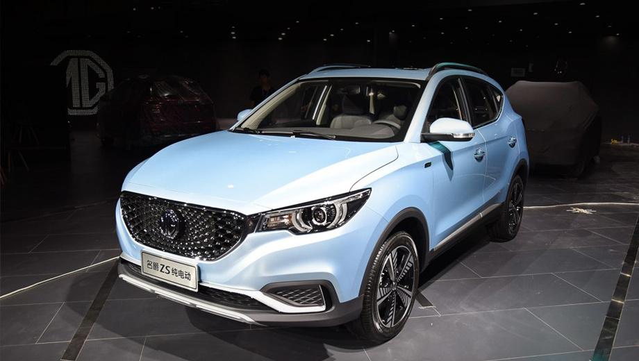Mg zs,Mg ezs. Дизайн экстерьера «зет-эса» не меняется с 2016 года. Такое постоянство — большая редкость для современных китайских моделей. На носу под логотипом скрыт лючок с двумя зарядными разъёмами.