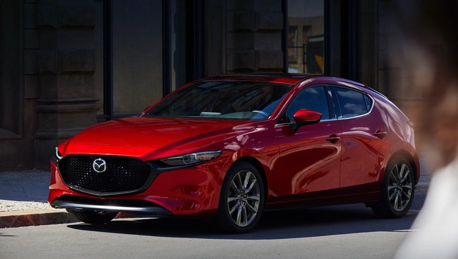 Mazda 3. Японцы говорят о зрелом дизайнерском языке Kodo. Тут явно прослеживается влияние концептов RX-Vision, Vision Coupe и, разумеется, Kai, предвещавшего конвейерный хэтч.