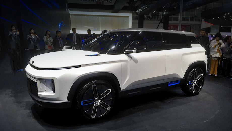 Geely icon,Geely sx12. Шоу-кар Icon был показан в апреле на Пекинской автовыставке как образчик дизайна в духе минимализма. Никаких характеристик публика так и не дождалась, даже размеров. По многим признакам Icon — электромобиль.