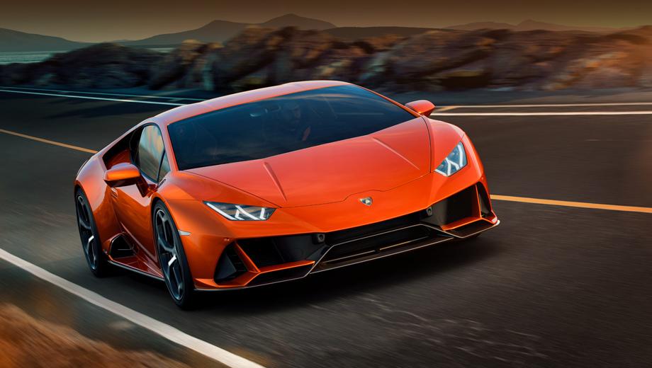 Lamborghini huracan,Lamborghini huracan evo. Спереди вариацию EVO выдают воздухозаборники изменённой формы и новый сплиттер. Поменялись и дизайн колёсных дисков (шины Pirelli P Zero), и боковые воздухозаборники.