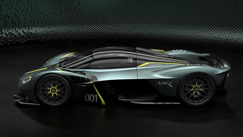 Aston martin valkyrie. По уверению производителя, трек-пакет делает Валькирию на восемь процентов быстрее на кольцевой трассе, чем стандартный вариант. (Показана окраска Stirling Green с полосами Lime.)