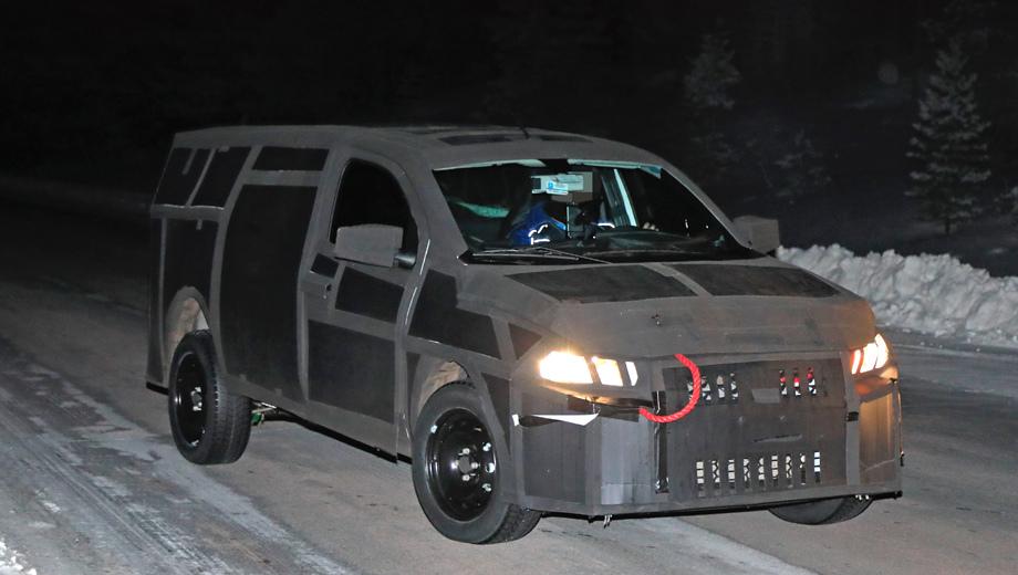 Fiat mobi,Fiat mobi pickup. Перед нами одна из самых замаскированных легковушек на тестах. Пожалуй, даже следующий кроссовер Toyota Highlander, увиденный на дороге несколько дней назад, покажется верхом открытости.