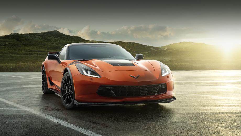 Chevrolet corvette,Chevrolet corvette z06,Chevrolet corvette grand sport. Идеология особого издания проста: берёте исходную модель, добавляете побольше опций, в том числе влияющих на поведение машины на трассе, сдабриваете редкими цветами кузова, полосками и надписями — готово.