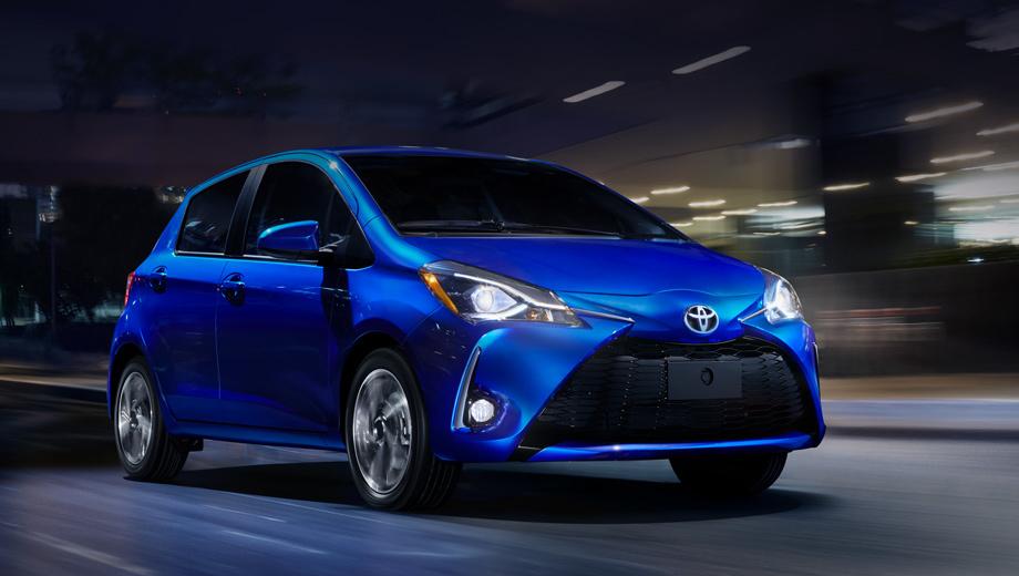 Toyota yaris. В Штатах он называется Yaris Liftback, бывает трёх- и пятидверным. На хэтч ставится атмосферник 1.5 (107 л.с., 140 Н•м) вкупе с пятиступенчатой «механикой» и четырёхдиапазонным «автоматом». Разброс цен — от $15 635 до $18 260 (1,02–1,19 млн рублей).