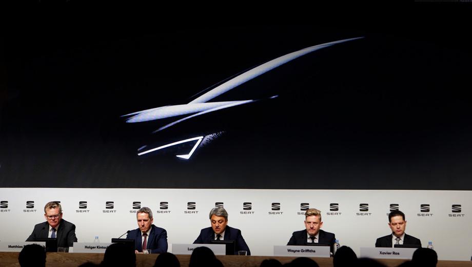 Seat ev. Пара тёмных тизеров была показана весной 2018 года на ежегодной конференции бренда в Мадриде. Поскольку выход электрокара на рынок запланирован на 2020-й («Год электрификации Сеата»), сначала мы увидим футуристичный концепт или предсерийный прототип.