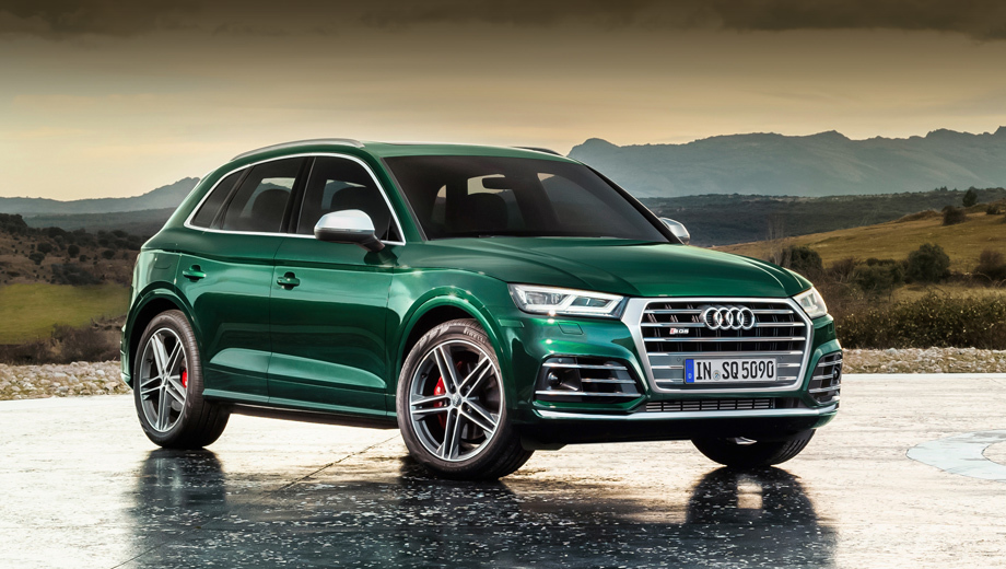 Audi sq5,Audi q5. Внешне дизельный SQ5 практически ничем не отличается от бензинового, не считая собственного оригинального подбора вариантов колёсных дисков.