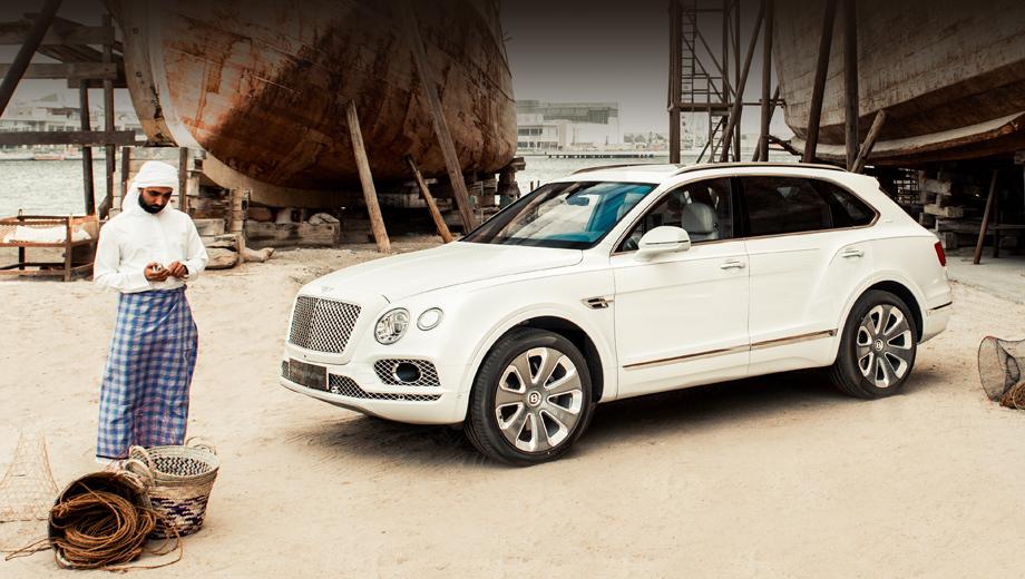 Bentley bentayga. Лимитированная версия создана на базе модификации с мотором W12 6.0 (608 л.с., 900 Н•м) и вручную собрана и оформлена специалистами придворного ателье Mulliner.