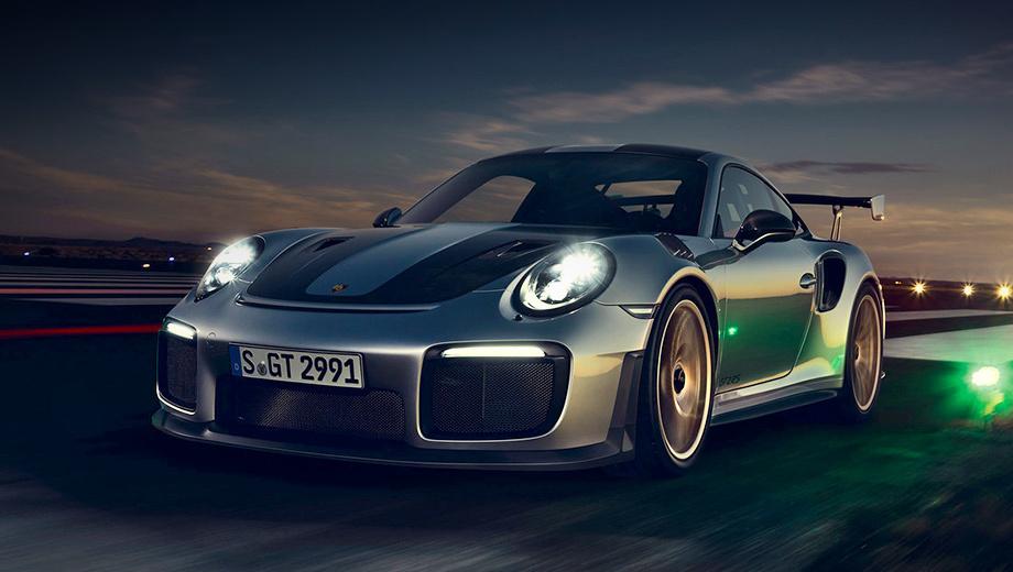 Porsche 911,Porsche 911 gt2 rs. Мощнейший из заднемоторных «девятьсот одиннадцатых» с битурбошестёркой 3.8 (700 л.с., 750 Н•м) и семидиапазонным «роботом» PDK увидел свет в 2017 году. Он сразу установил новый рекорд Нюрбургринга (6:47.25), который сам же и побил в 2018-м (6:40.33). Также вышла версия Clubsport.
