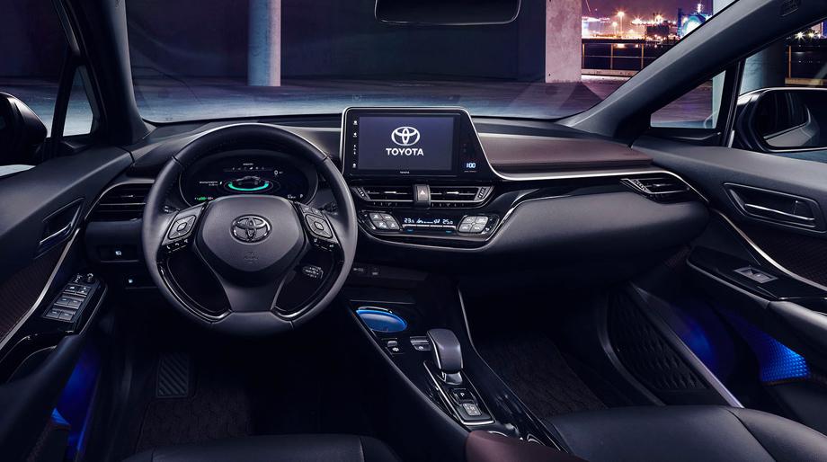 """Картинки по запросу """"Рестайлинговая Toyota C-HR салон"""""""""""