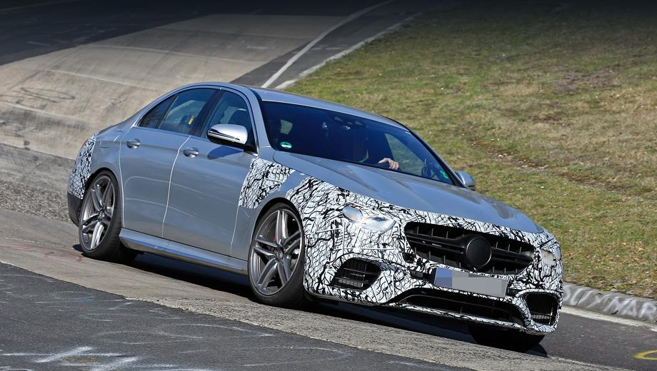 Mercedes e,Mercedes e amg,Mercedes gls,Mercedes gls amg. Прототип E 63 демонстрирует новую оптику, однако тут нет решётки Panamericana с вертикальными зубьями, которая в последнее время появляется на новых моделях суббренда Mercedes-AMG. Полагаем, немцы добавят её перед самой премьерой.