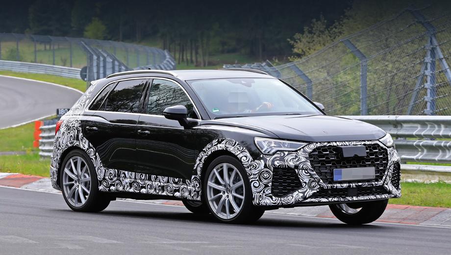 Audi rs q3,Audi s5,Audi rs4,Audi rs6,Audi rs7. Кроссовер Audi RS Q3 фотошпионам уже попадался. Но раньше на машине было намного больше маскировки. Необычный рисунок решётки радиатора — первое, что бросается в глаза, если сравнивать эту версию с обычным «ку-третьим».
