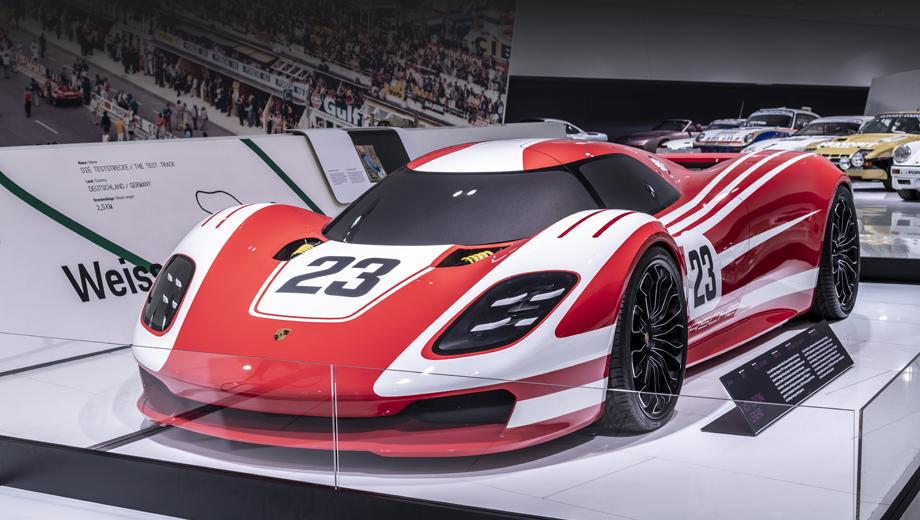 Porsche 917,Porsche 917 living legend,Porsche concept. Раскраска концепта подражает ливрее Porsche 917 KH, который в 1970 году принёс марке первую победу в абсолютном зачёте «24 часов Ле-Мана».