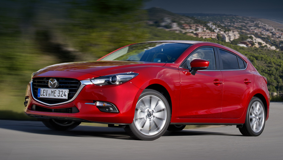Mazda 3. «Матрёшка», в отличие от Мазды 6, отзывается редко. В прошлый раз её пригласили на ремонт в 2014 году из-за сбоя электроники.