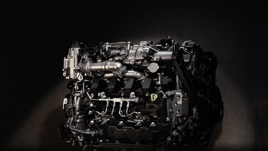 Mazda 3. Разработчики говорят, что Skyactiv-X стал первым в мире серийным бензиновым мотором, в котором совмещено воспламенение от свечей и от сжатия. Экспериментов же в этой сфере было уже много.