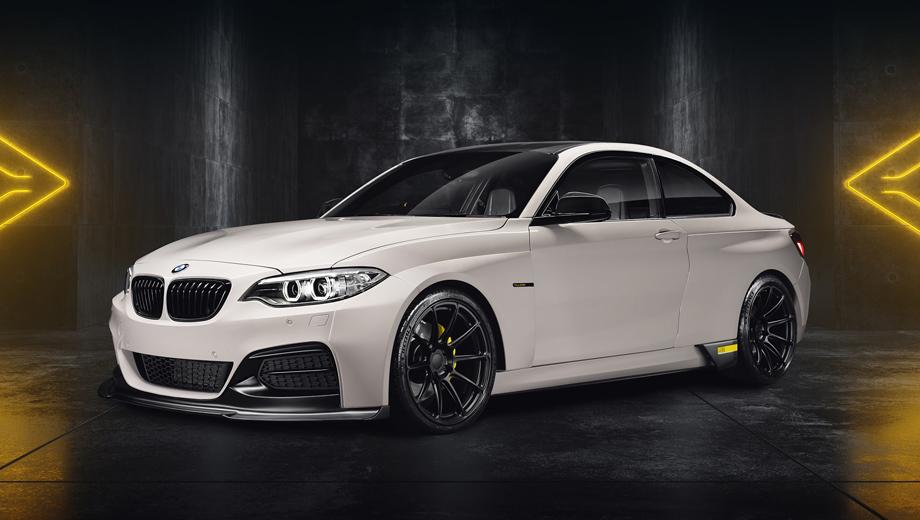 Bmw 2. Крылья этого образца BMW второй серии расставлены шире, чем у заводской версии, а в перекроенном бампере появился широкий сплиттер.