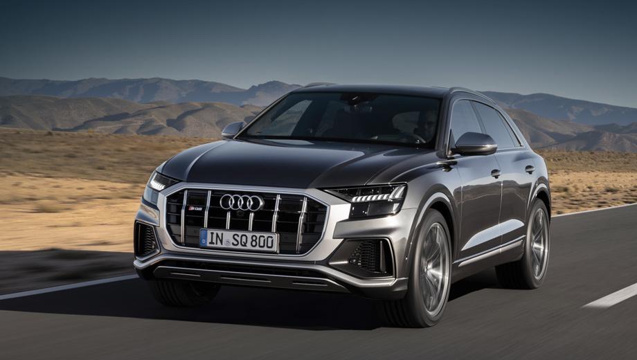 Audi sq8. Отличительная черта SQ8 — серебристая рамка у решётки радиатора с металлизированными вертикальными планками. В России кроссовер появится не раньше 2020 года, возможно, в компании с младшим по званию SQ7 после рестайлинга.