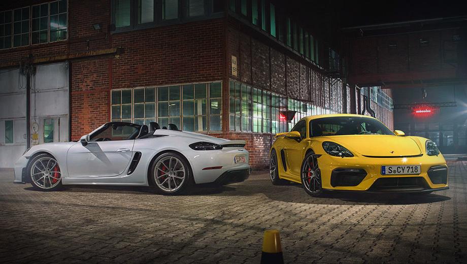 Porsche 718,Porsche 718 cayman,Porsche 718 cayman gt4,Porsche 718 spyder,Porsche cayman. Длина, ширина, высота GT4 — 4456×1994×1269 мм, Спайдера — 4430×1994×1258, колёсная база одинаковая — 2484 мм. Снаряжённая масса превышает 1400 кг из-за фильтров выхлопных газов и другой «экологии». Шины — Michelin Pilot Sport Cup 2: 245/35 R20 спереди и 295/30 R20 сзади.